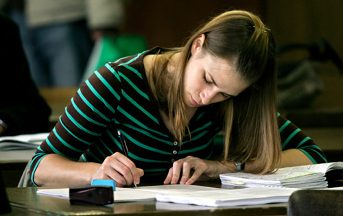 3 Tips to Make Studying For Business Exams Easier