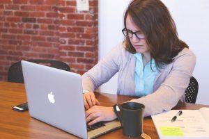 startup-photos-stressed-employee